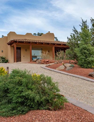 SEdona_landscaping_company_driveway